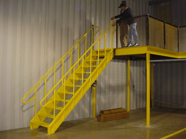INDUSTRIAL STAIRCASE WITH HANDRAILS
